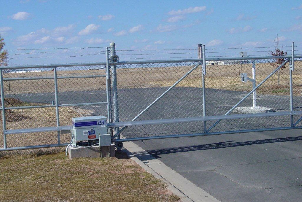 secure-access-services-raleigh-hydraulic-slide-gate-operator-rdu-airport